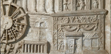 A treadmill powered crane on the Haterii relief (late 1st c. CE). Rome, Vatican Museums.
