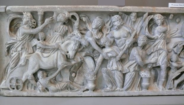 Sarcophagus_with_the_Abduction_of_Persephone_by_Hades_(detail)