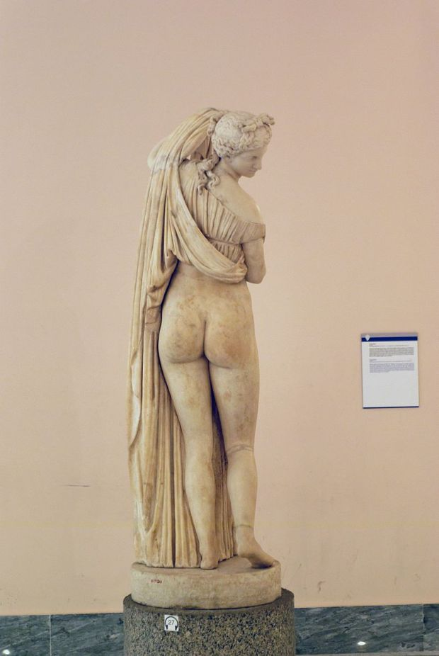 Venus_callipyge_-_Museo_Archeologico_Nazionale_-_Naples-1